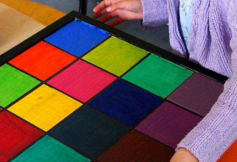 Farbenspiele und Experimente