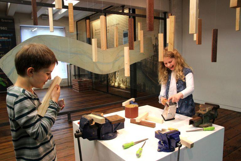 Dufthölzer im Hafenmuseum